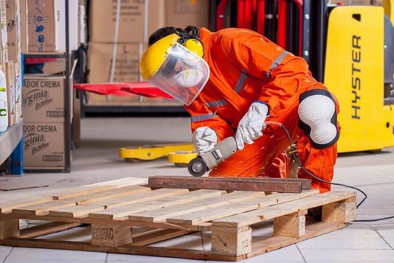 segurança contra acidentes em máquinas e equipamentos