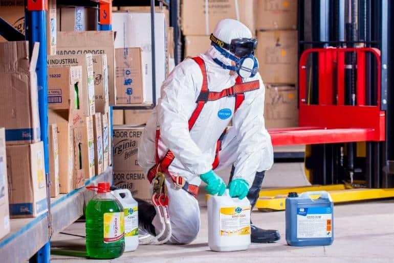 manuseio de produtos quimicos na empresa